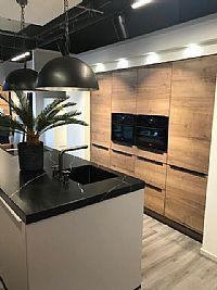 Modern eiland keuken inc. bora kookplaat