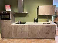 Moderne rechte keuken 320 cm lang