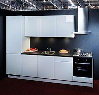 Hoogglans witte greeploze keuken Masha (104)