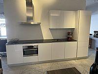 Rechte keuken witte hoogglans keuken
