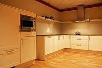 zeer strakke keuken Y80B