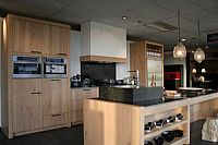 Salvani massief houten keuken