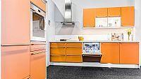 Oranje keuken met kastenwand 4 (Z)