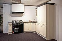 Compacte keuken met natuursteen (A120)