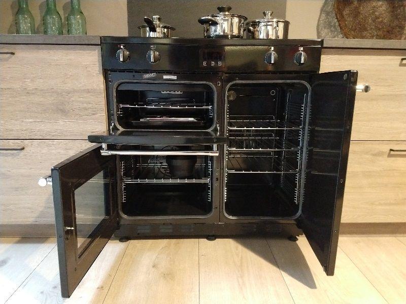 Royale driedelige keuken