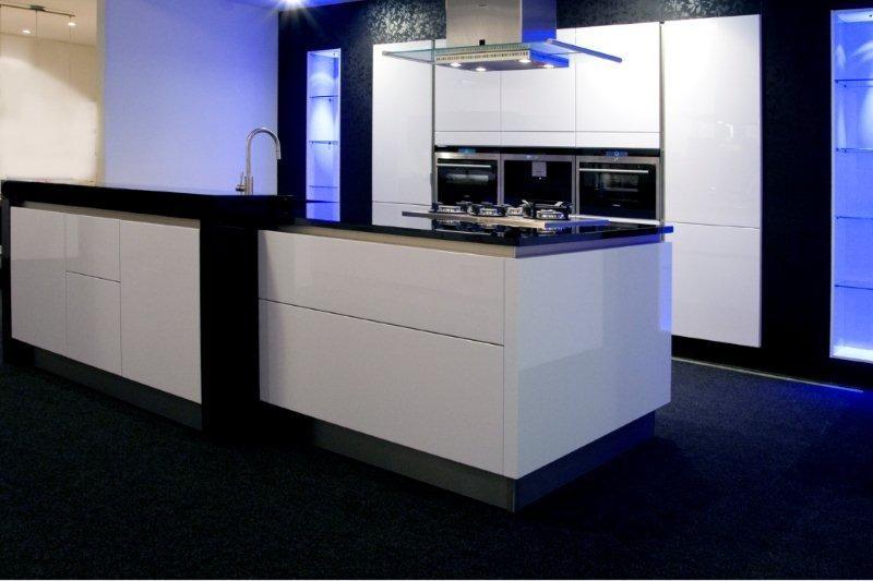 Keuken Wit Greeploos : keukens voor zeer lage keuken prijzen Lucida gelakt wit greeploos