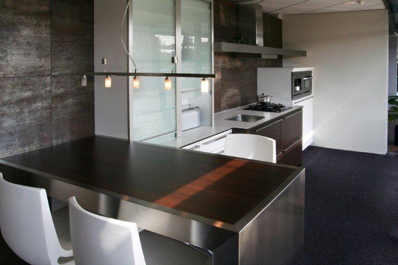 Strakke Design Keukens : Showroomkeukens alle showroomkeuken aanbiedingen uit nederland