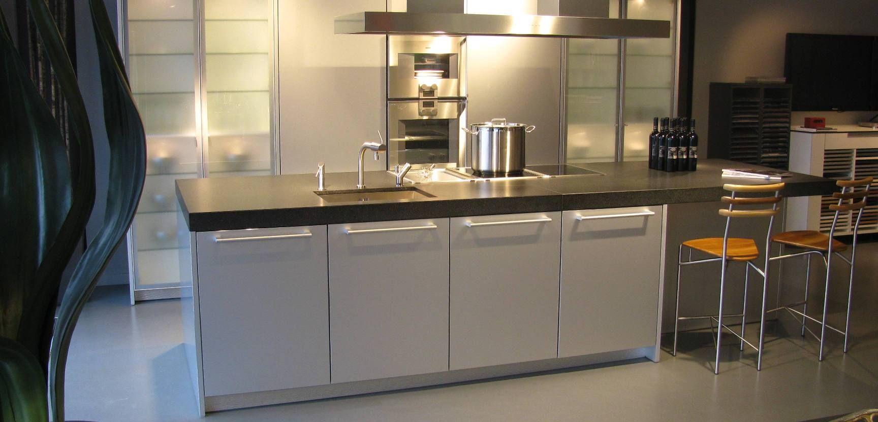 Showroomkeukens alle showroomkeuken aanbiedingen uit nederland keukens voor zeer lage keuken - Centrum eiland keuken prijs ...