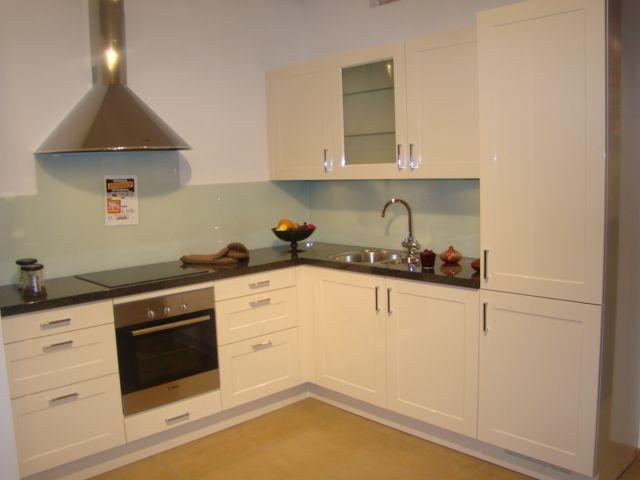 ... keuken prijzen : Landelijk keuken in magnolia wit hoogglans [45642