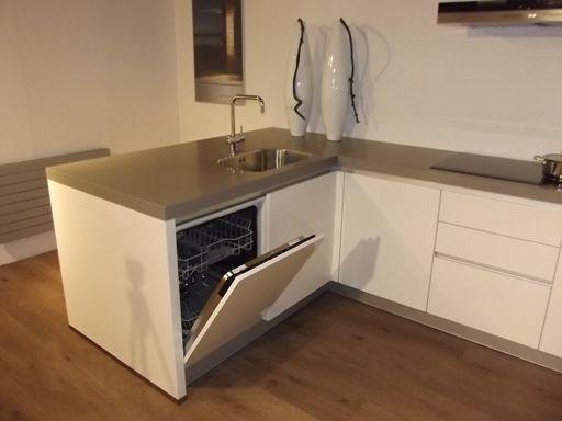 Klein Schiereiland Keuken : Showroomkeukens alle showroomkeuken aanbiedingen uit nederland
