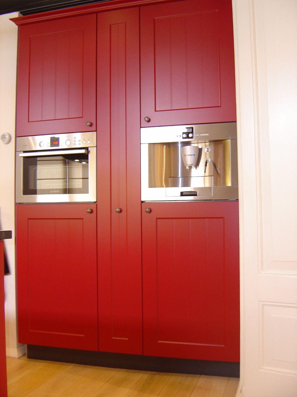 Keuken Rood Zwart : keukens voor zeer lage keuken prijzen Showroomkeuken Ursus rood met