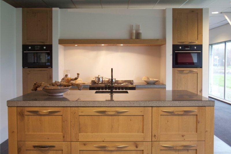 Houten Keuken Met Massief Houten Kaderfront : ... keukens voor zeer ...