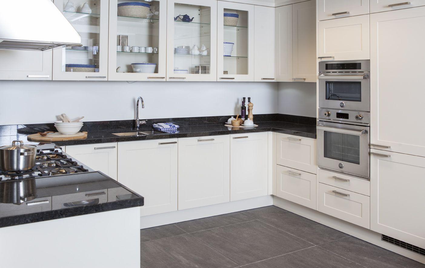... keukens voor zeer lage keuken prijzen  zeer Complete U-keuken [48773