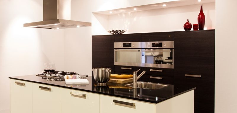 ... keukens voor zeer lage keuken prijzen  Moderne eiland keuken met