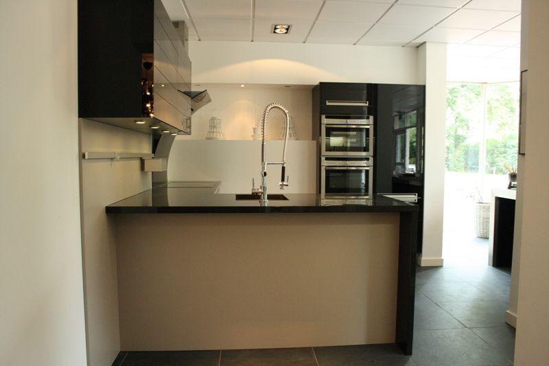 Moderne keuken met bar beste inspiratie voor huis ontwerp - Afbeelding moderne keuken ...
