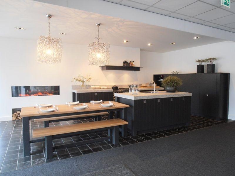 Moderne Keukens Met Eiland En Tafel: Moderne bungalow the art of ...