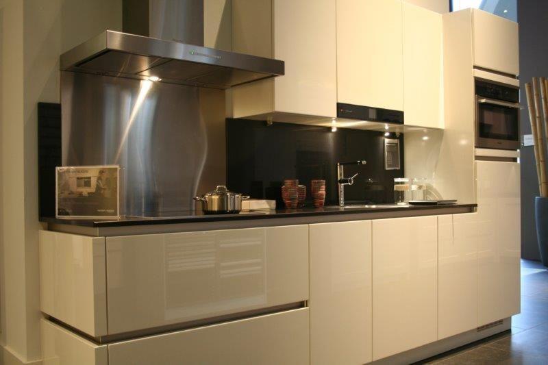 Keuken Greeploos Of Niet : keukens voor zeer lage keuken prijzen Hoogglans gelakt witte