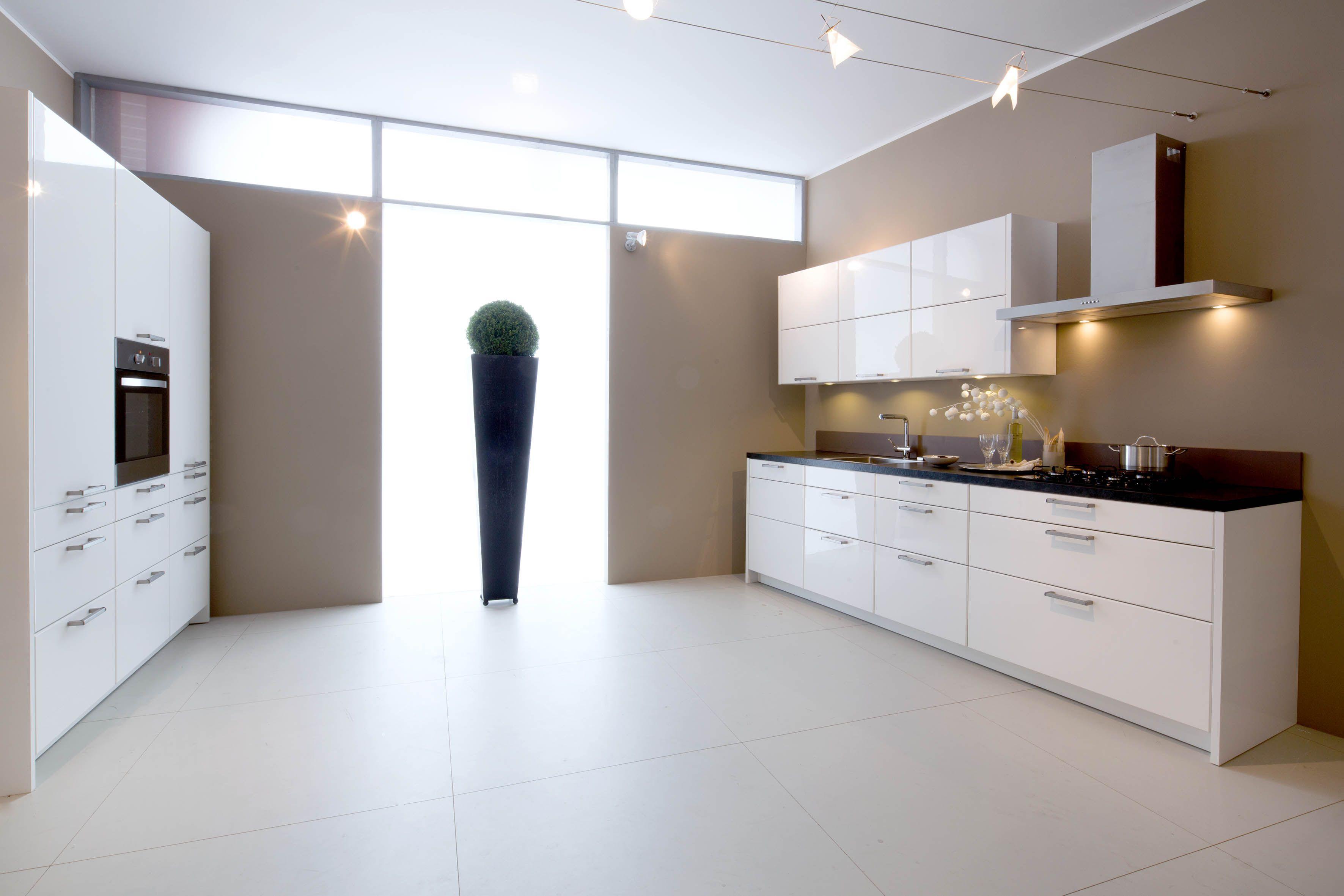 Moderne Hoogglans Witte Keuken : ... keukens voor zeer lage keuken ...