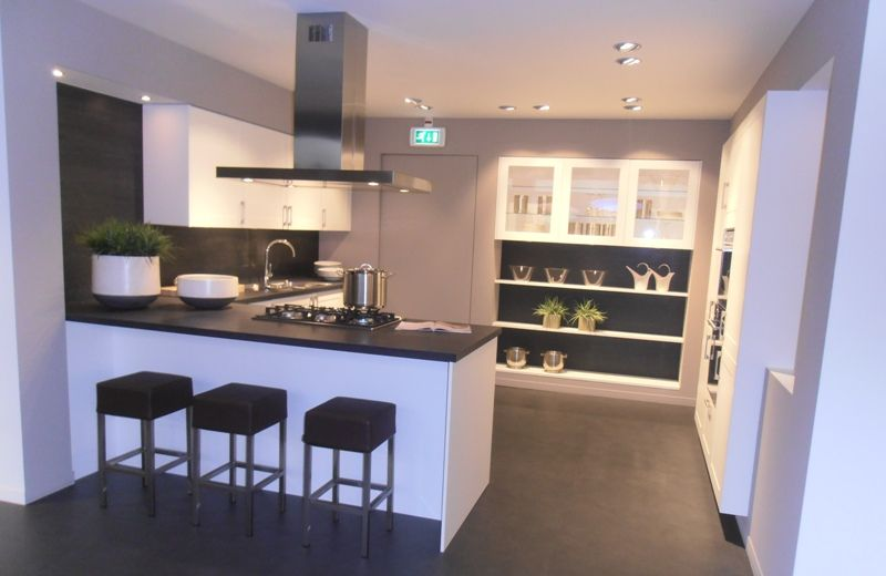 Keuken Wit Mat : zeer lage keuken prijzen Keuken met kaderdeur in mat wit [46109