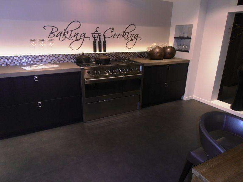 Keuken Moderne Zwart : Showroomkeukens alle showroomkeuken aanbiedingen uit nederland