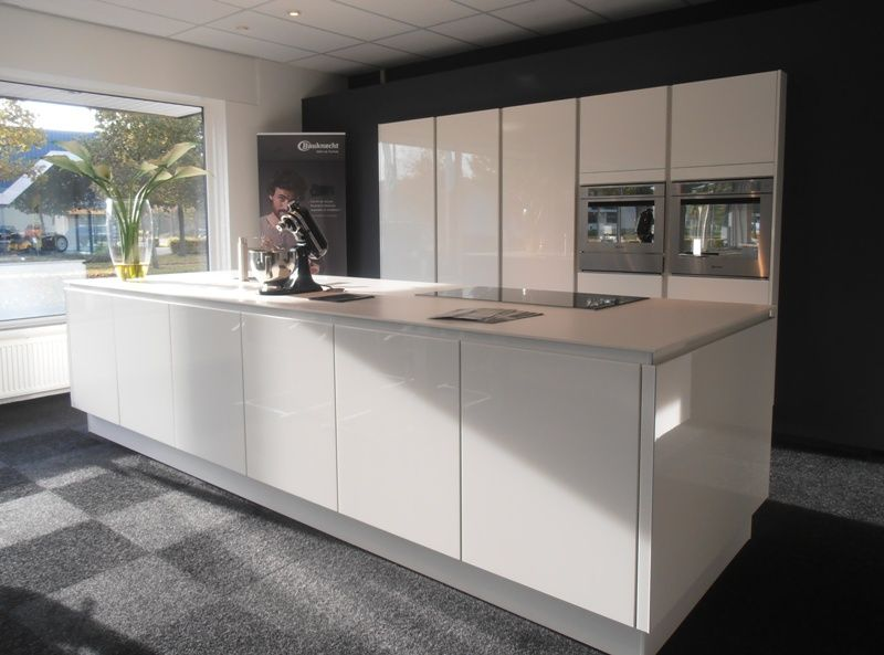 witte hoogglans greeploze keuken  atumre, Meubels Ideeën