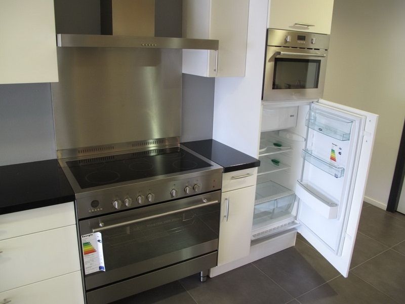 Modern keuken rechte - Moderne keuken kleur ...