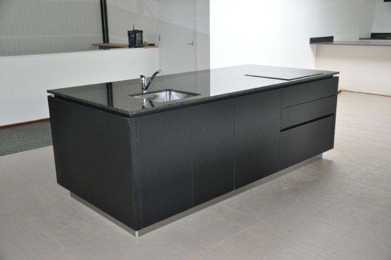 Keuken Zwart Mat : keukens voor zeer lage keuken prijzen Alno Pure matzwart greeploos