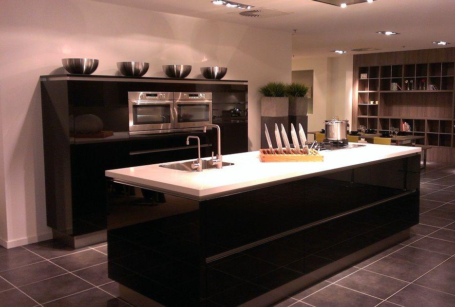 Eiland Keuken Zwart : Showroomkeukens alle showroomkeuken aanbiedingen uit nederland