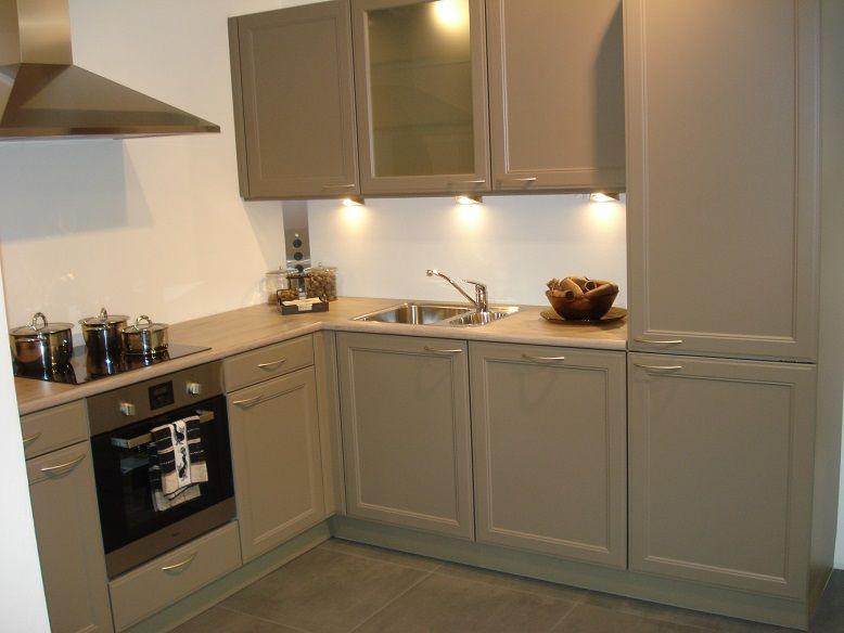 Showroomkeukens alle showroomkeuken aanbiedingen uit nederland keukens voor zeer lage keuken - Whirlpool keller ...