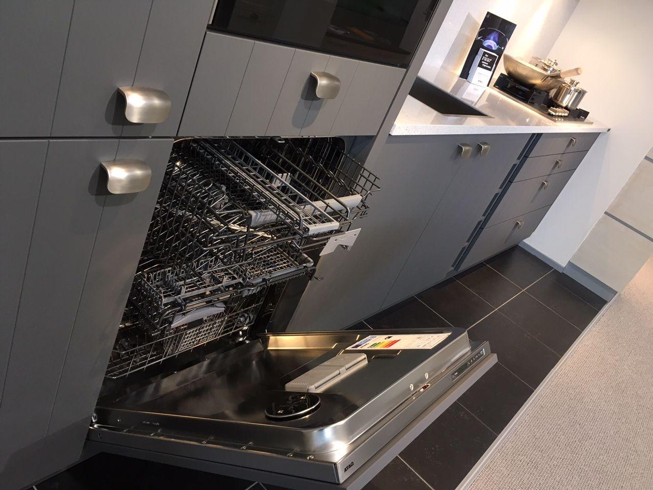 Showroomkeukens alle showroomkeuken aanbiedingen uit nederland keukens voor zeer lage keuken - Werkblad silestone ...