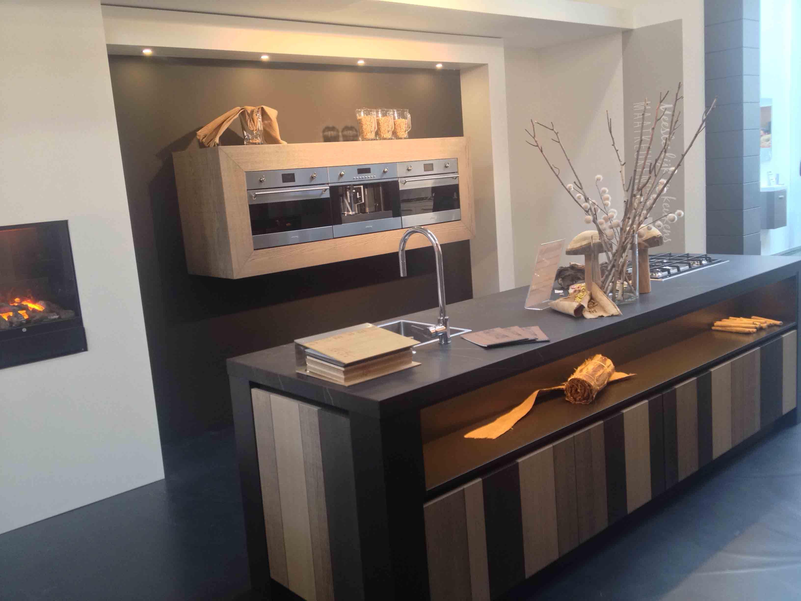 Keuken Kookeiland Showroom : keukens voor zeer lage keuken prijzen Keuken met kookeiland [53901