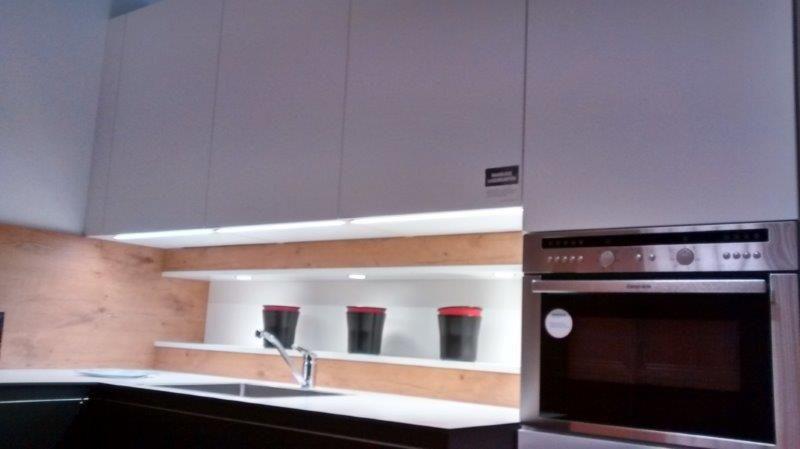 Keuken Greeploos Mat Wit : zeer lage keuken prijzen Greeploos, extreem mat zwart/wit [58014