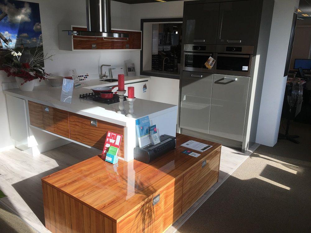 Showroomkeukens alle showroomkeuken aanbiedingen uit nederland keukens voor zeer lage keuken - Ruimte model kamer houten ...