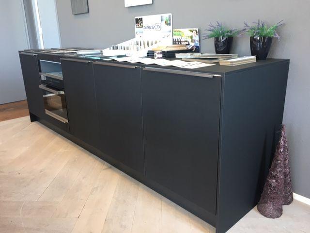 Mat Zwarte Keuken : Showroomkeukens alle showroomkeuken aanbiedingen uit nederland